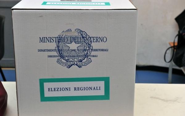 Regionali, urne aperte in Emilia Romagna e in Calabria