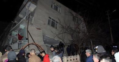 Scossa di terremoto di 6.8 nell'est della Turchia, almeno 21 morti