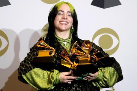 Ai Grammy trionfa Billie Eilish, vince in cinque categorie