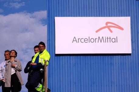 Commissari: 'La tesi di A.Mittal è del tutto mistificatoria e sullo scudo penale dicono falsità'