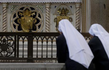 Vaticano, casi abusi anche tra suore