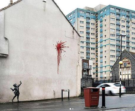 Vandalizzato murale di Banksy a Bristol