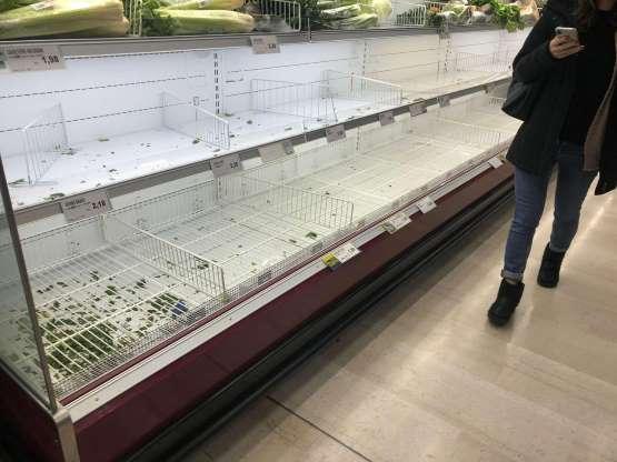 Coronavirus con 'assalto' ai supermercati