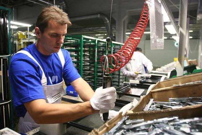 Coronavirus, allarme sull'economia: a rischio 60mila posti di lavoro