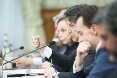 Milleproroghe: governo pone la fiducia alla Camera