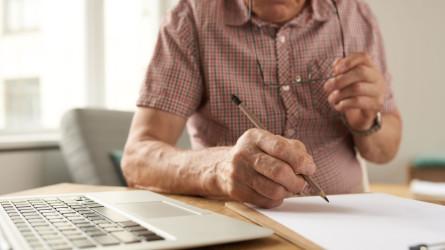 Pensioni, rischio sospensione assegni a febbraio