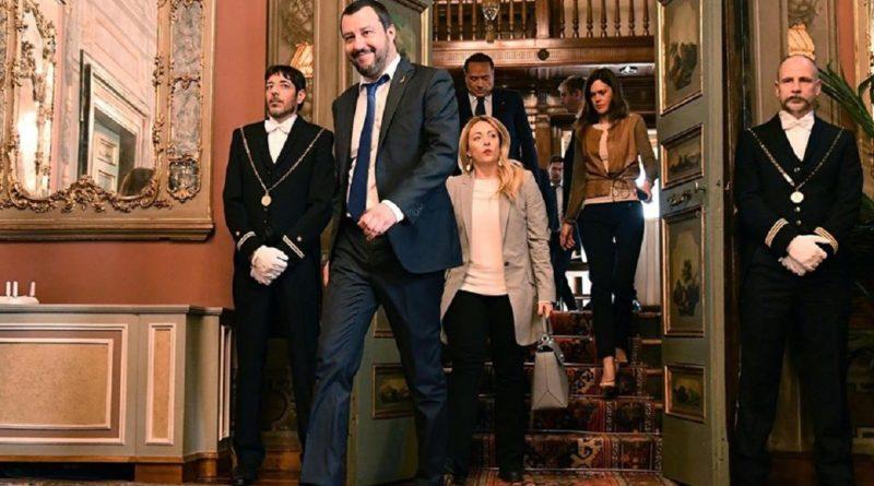 """Gentiloni apre al Mes. Salvini: """"Pronti a sfiduciare il Governo"""""""