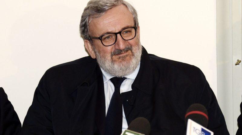 """Coronavirus, Emiliano: """"In Puglia solo 1.000 analisi al giorno"""""""
