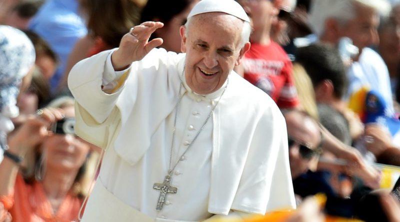 """Papa Francesco: """"La preghiera e il servizio silenzioso sono le nostre armi vincenti"""""""