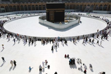 Coronavirus: coprifuoco a Mecca e Medina