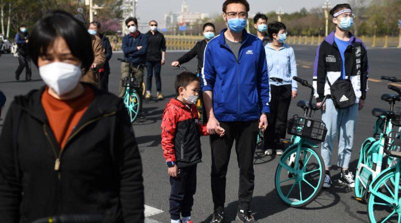 Coronavirus, la Cina ricorda le vittime con tre minuti di silenzio