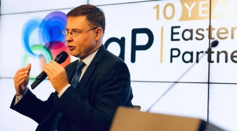 """Coronavirus e Dombrovskis: """"Ue pronta a favorire gli eurobond"""""""