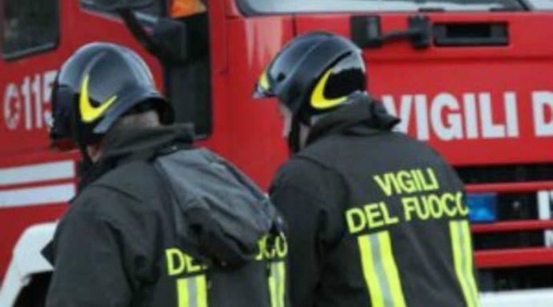 Crollano due palazzine nel Foggiano, morta una donna