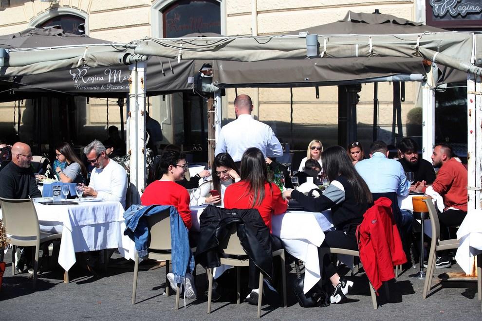 """Covid, Coldiretti: """"Apertura fine settimana salva 80% conti ristoranti"""""""