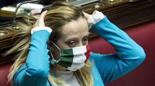 """Giorgia Meloni contro il settimanale olandese: """"Italiani parassiti nullafacenti? Vergogna, Di Maio intervenga"""""""