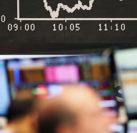 Borsa: Milano allunga a +1,8%, più forte d'Europa