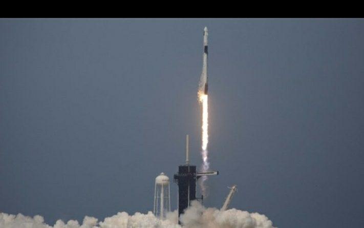 L'uomo ritorna nello spazio : gli USA lanciano la Cape Dragon