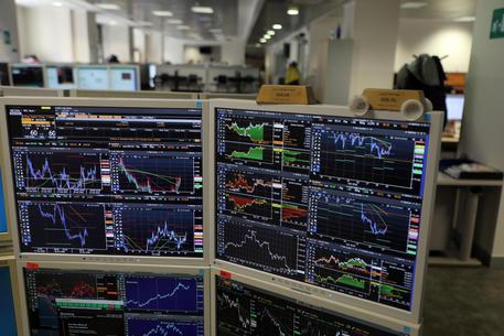 Spread Btp/Bund in calo, avanzano le Borse europee