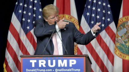 Scontro con Twitter, Trump firma ordine sui social: stop all'immunità