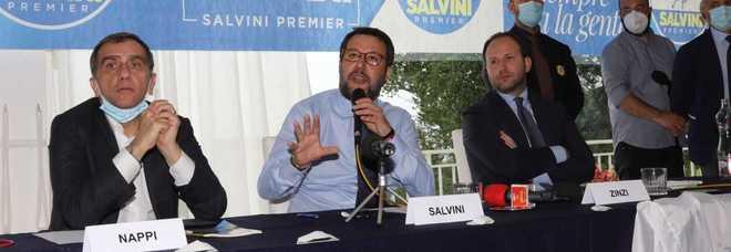 Salvini a Napoli: 'Con una squadra unita De Luca si batte'