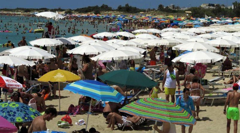 """Turismo, Coldiretti: """"Estate senza stranieri costa 12 miliardi"""""""