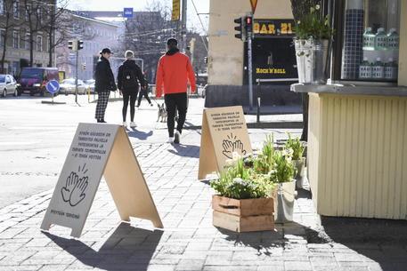 Finlandia e Norvegia riaprono i bar