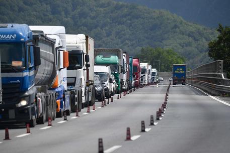 Cantieri autostrade: 14 km coda in A7
