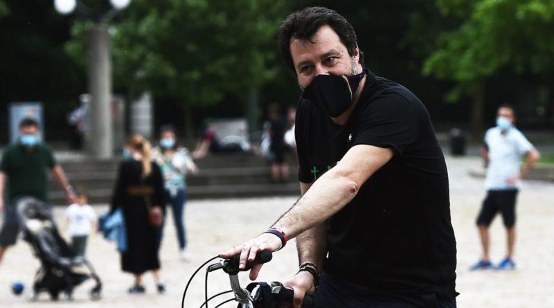 'Rom e topi', la rete contro Salvini