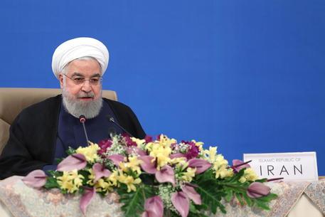 Coronavirus: Iran, stop a matrimoni e funerali