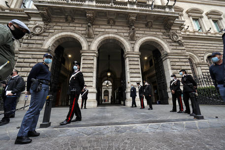Bankitalia: debito record a 2.530 mld, effetto Covid su entrate