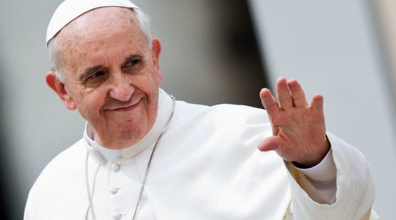 """Papa Francesco: """"Preghiamo per il Libano e per le vittime e"""