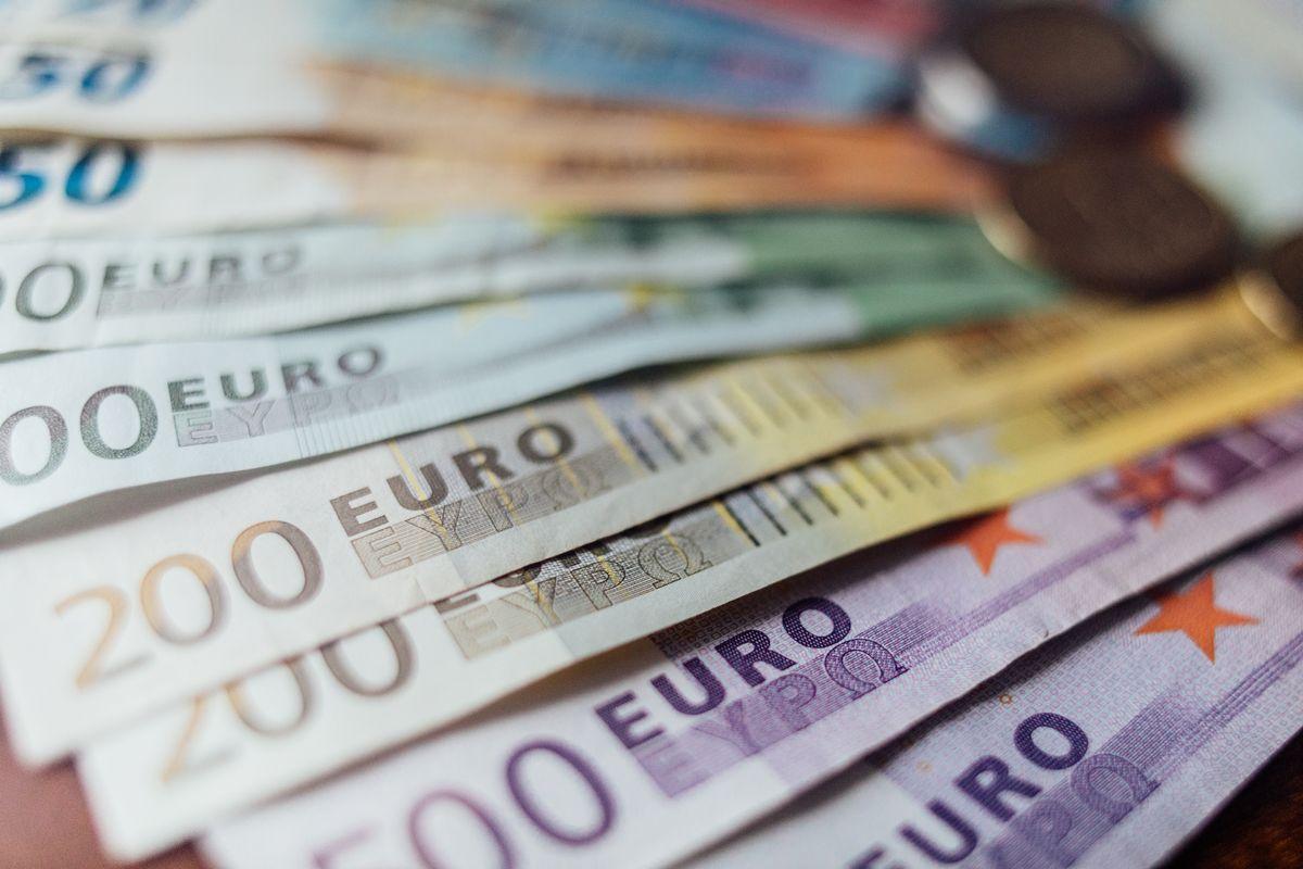 Bando voucher,  imprese servizi,  economia circolare
