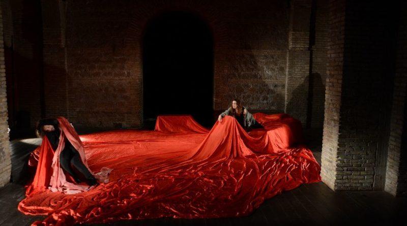 """""""Al passo coi Templi"""",  spettacolo scritto e diretto da Marco Savatteri,  all'alba del 19 agosto al Teatro Antico di Taormina"""