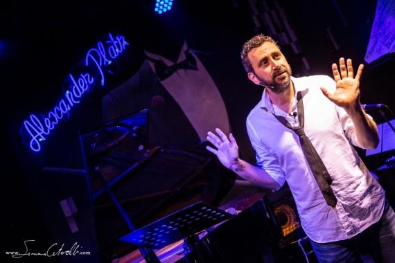 Il 5 agosto ad Ostia Antica: Daniele Monterosi presenta lo spettacolo Bohemian Simphony-Orchestra Queen Tribute