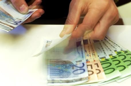 Decreto Ristori 5 a fine mese, bonus 1000 euro partite Iva si allarga