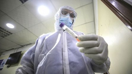 Coronavirus, Francia sull'orlo di un nuovo lockdown: non è più un'epidemia senza malati