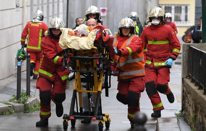 Parigi: attacco vicino all'ex sede di Charlie Hebdo, 4 feriti. Fermati due sospettati