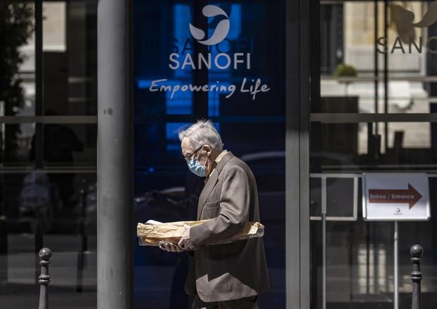 Ue-Sanofi: accordo per 300 milioni di dosi di vaccino anti covid