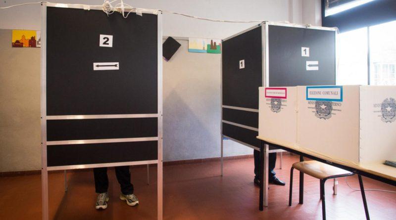 Elezioni, alle 12 alle urne solo l'12%: si teme per l'affluenza causa covid