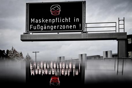Covid: Germania, 11.176 nuovi casi
