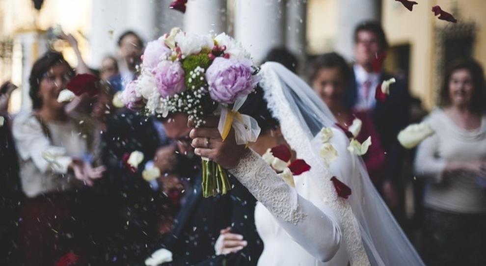 Nuovo decreto, dubbi su matrimoni e riaperture: Draghi annuncia le prossime mosse
