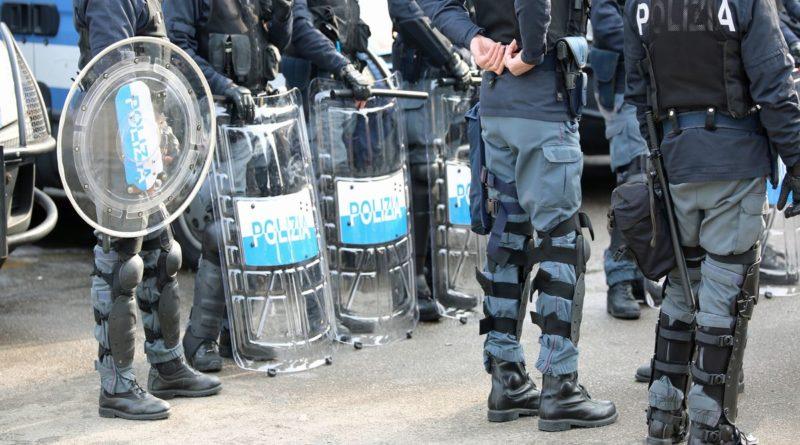 Italia in fermento, Conte difende il dpcm