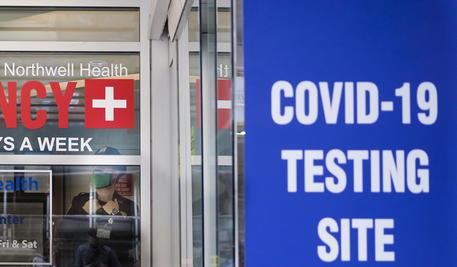 Covid, cresce il tasso di mortalità in Belgio, la Grecia annuncia un parziale lockdown