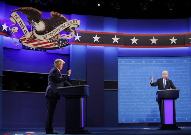 Ultimo duello tv, Trump graffia ma Biden resiste