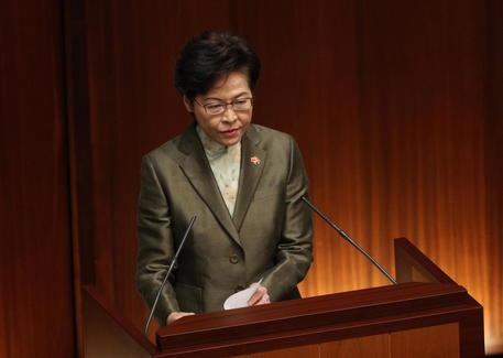 Hong Kong: Lam, tengo mucchi di contanti a casa