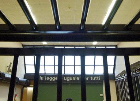 Segregata, violentata e filmata, tre arresti nel Casertano