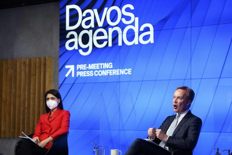 Davos, al via il summit del Wef tra emergenze Covid e clima