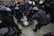 Russia, arrestati centinaia di manifestanti pro-Navalny