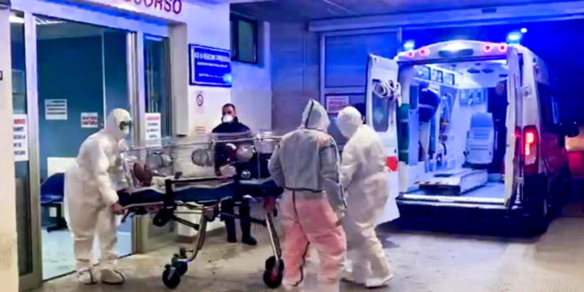 Oms: fino a 180mila operatori sanità uccisi da Covid nel mondo