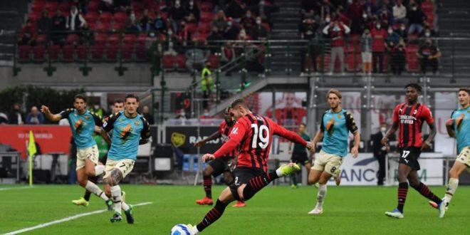 Serie A, Milan-Venezia 2-0: I rossoneri agganciano l'Inter in classifica